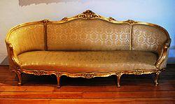 Imatge relacionada amb sofà