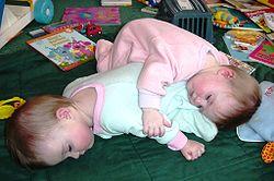 Imatge relacionada amb nadó