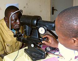 Imatge relacionada amb oftalmòmetre