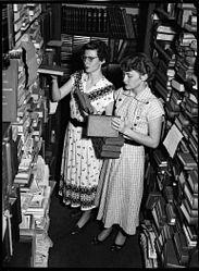 Imatge relacionada amb bibliotecari