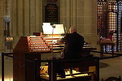 Imatge relacionada amb organista