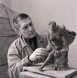 Imatge relacionada amb escultor