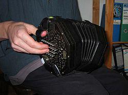 Imatge relacionada amb concertina
